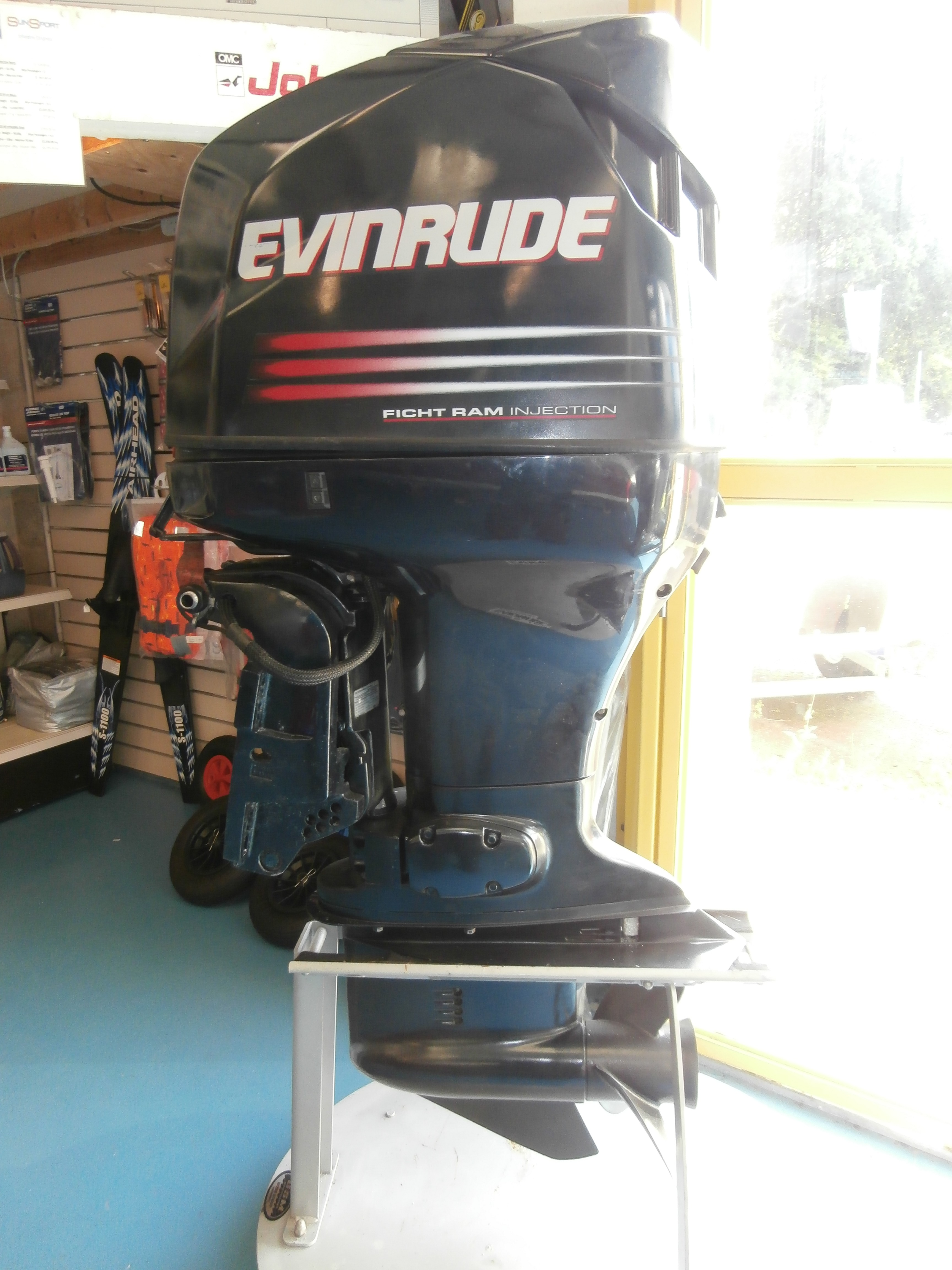Evinrude 150 - OSM Boats